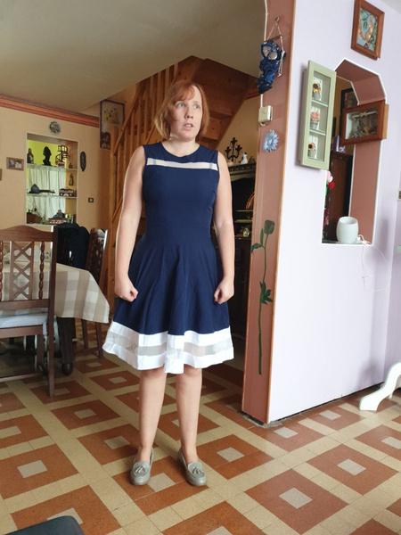 a7993496c11 la robe est très belle. elle taille bien. je ne suis pas du tout déçu